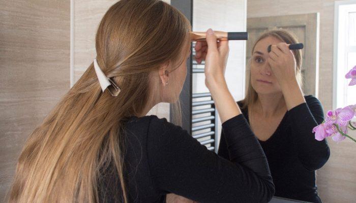 Kasdienis makiažas su natūralia kosmetika